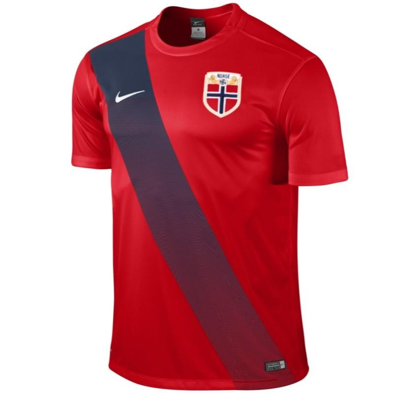 maillot de foot nationale norvege domicile 2015 nike. Black Bedroom Furniture Sets. Home Design Ideas