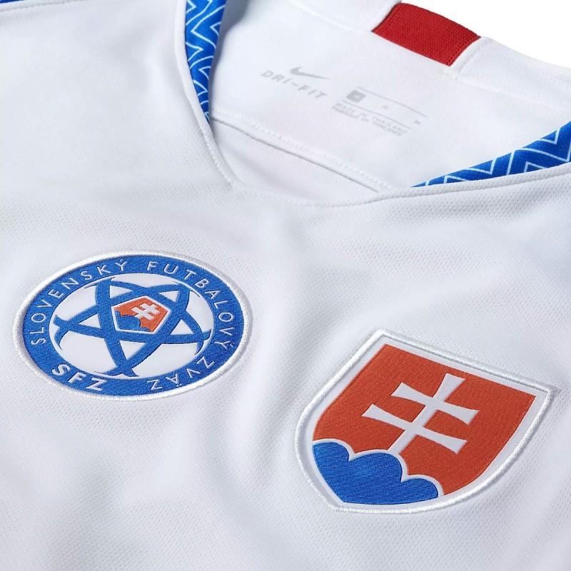 Slovakia Home football shirt 2018 19 - Nike - SportingPlus.net 81fc2cb6d7a
